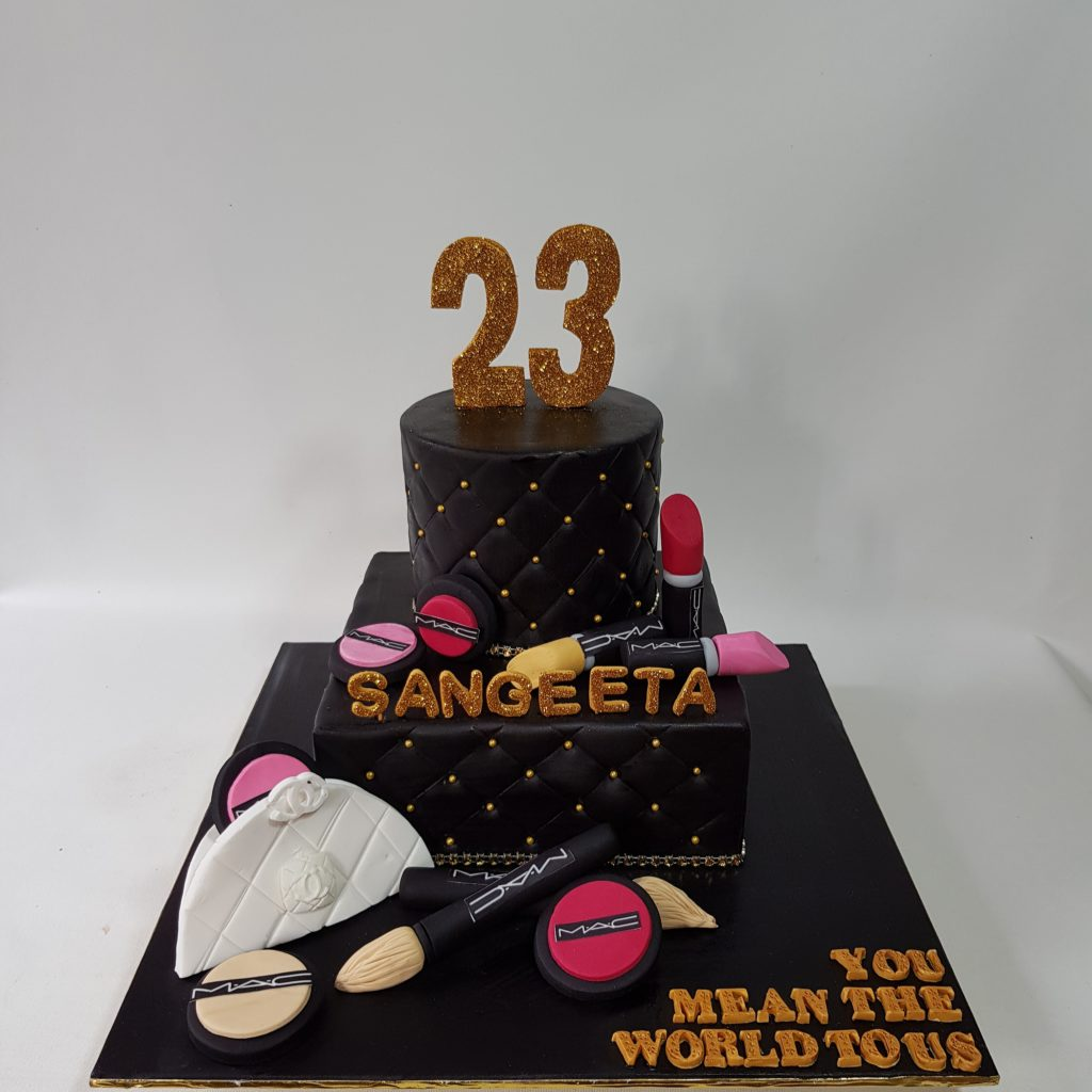 Make up cake theme sooperlicious cakes black is beauty and how true is that we have combination of gold and black last week for true fashionista celebrating 23rd birthday altavistaventures Choice Image