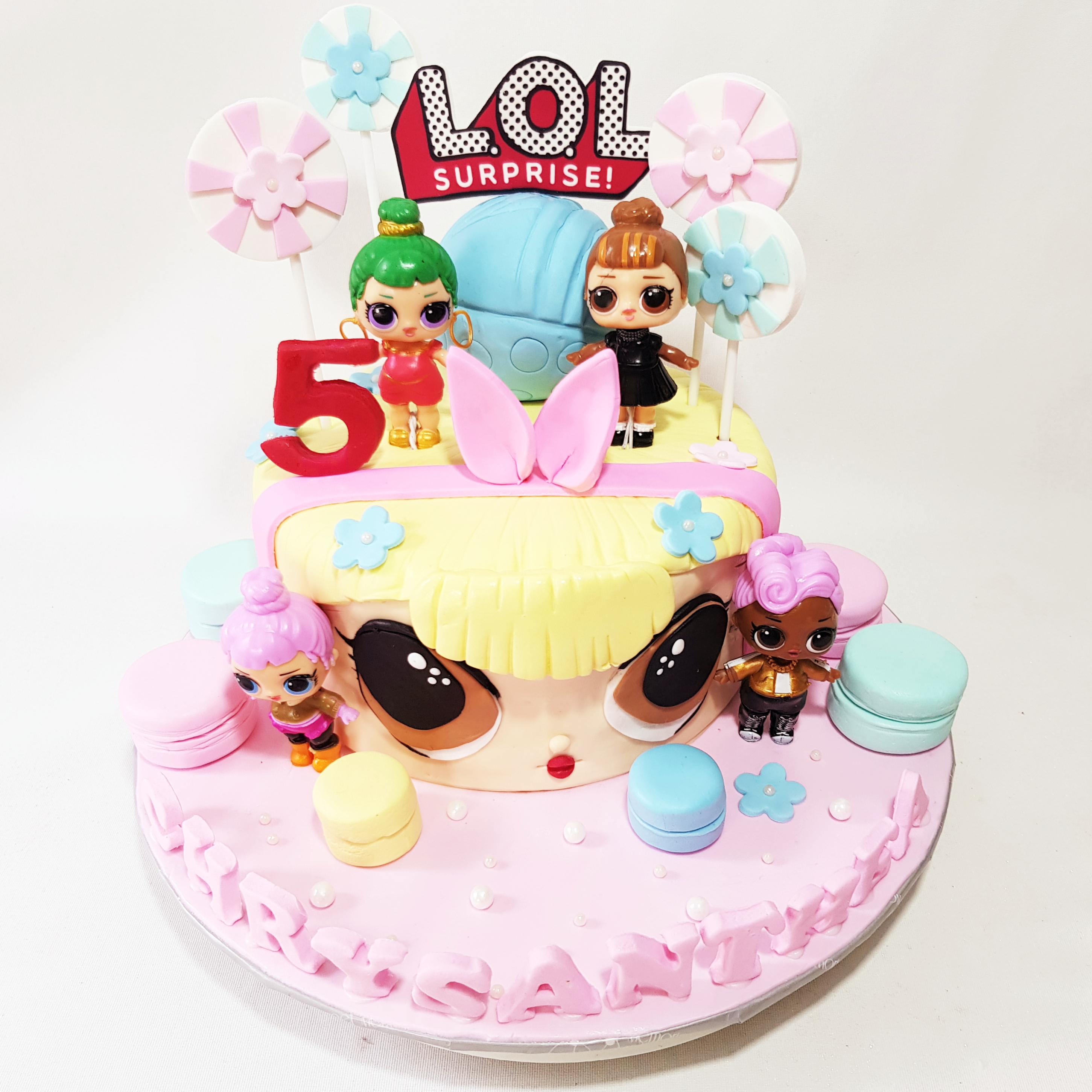 L O L Surprise Cake Sooperlicious Cakes